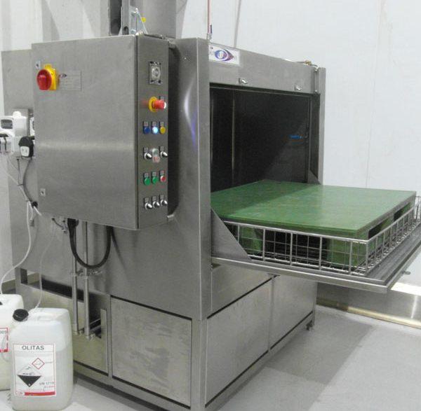 Pallet washer