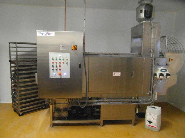 Industrial Washing Machines From Oliver Douglas Trayline 2